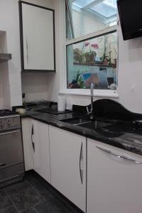 New kitchen with granite worktops